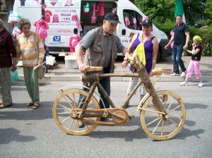 this ingenious wooden bike garnered a lot of well-deserved attention